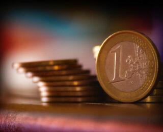 """Comincia con un euro"""